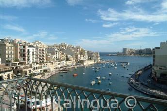 Výhled z pokoje ve Spinola Bay z Hotelu Juliani