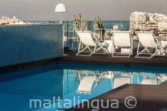 Střešní bazén a bar, Malta