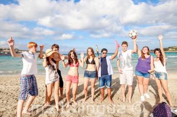 Studenti na pláži