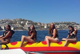 4 dívky na moři