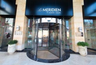 Vstup do Hotelu Le Meridien v St Julians